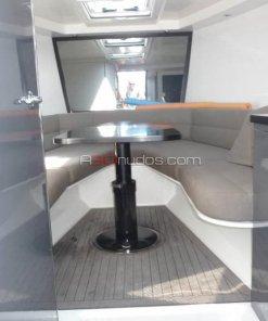 Interior del camarote del barco de alquiler de A30nudos.com