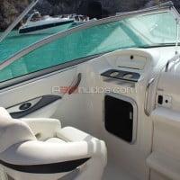 Cómodo asiento acompañante barco alquiler