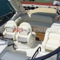 Asientos confortables del barco de alquiler de A30nudos.com