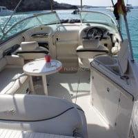 Vista de popa del barco de alquiler en Ibiza