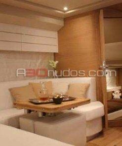 Detalle del interior de la Sessa C52 de A30nudos.com