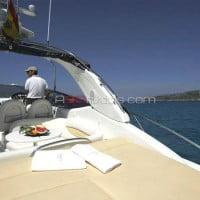 Solárium de popa del barco de alquiler de A30nudos.com