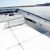 Solarium del barco para navegar por Ibiza y Formentera