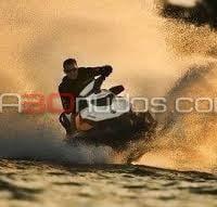 Descubre una nueva Ibiza desde tu moto de agua de alquiler