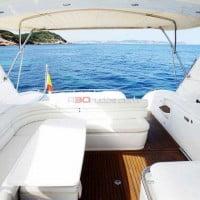 Bañera del barco con todo tipo de comodidades
