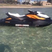 Lateral derecho moto agua alquiler en Ibiza
