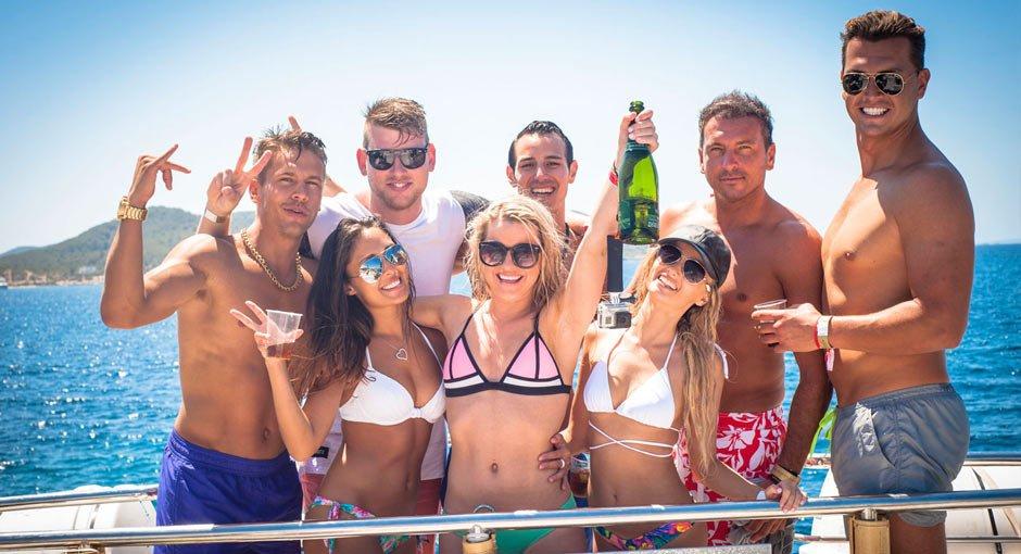 Fiesta en barco A30nudos Ibiza