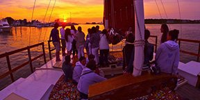 Puesta de sol en barco Ibiza