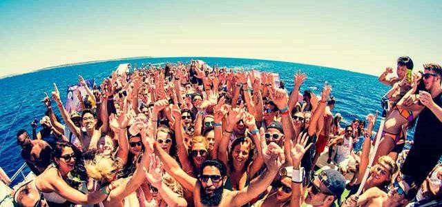 fiestas en barco en ibiza