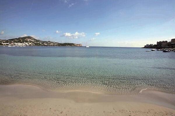Playa de Talamanca en la ciudad de Ibiza